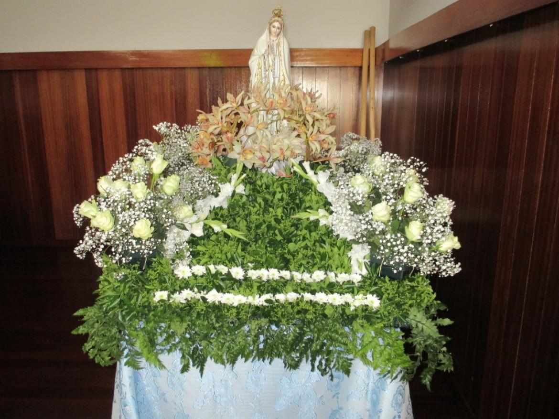 Procissão em honra de Nossa Senhora